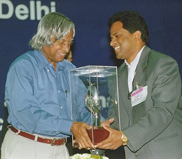 Receiving the 1st Computer Excellence Award for Schools from President APJ Abdul Kalam6